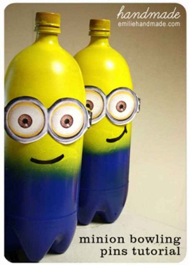 MINION BOWLING GAME