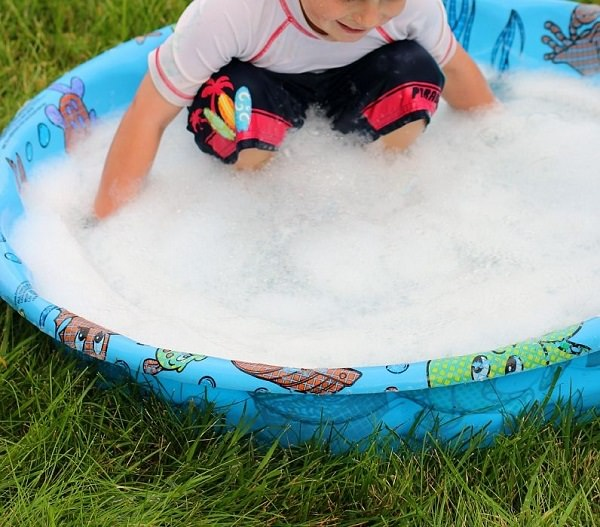 21. Homemade Wading Pool Cleaner