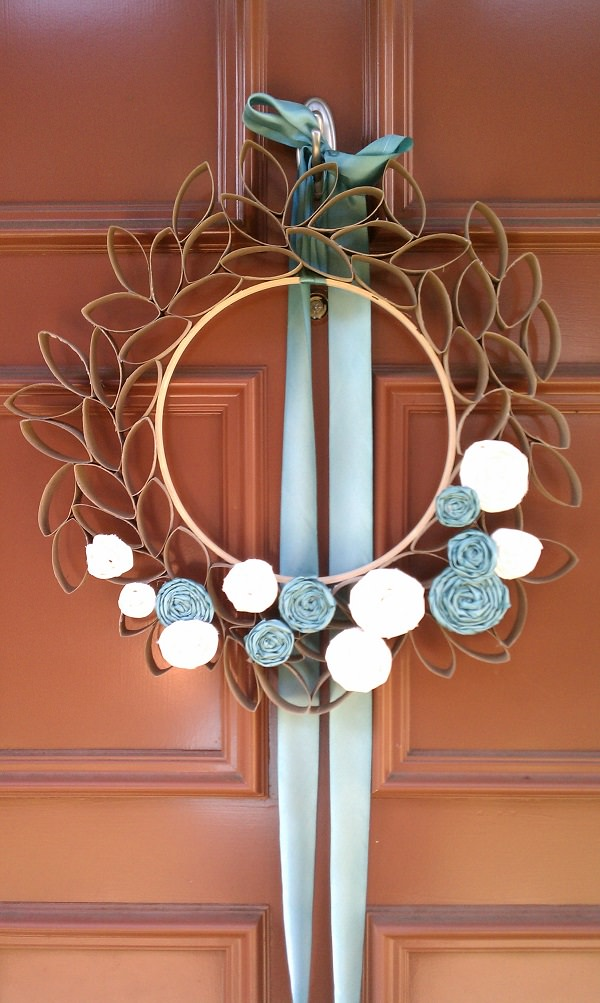 31. Decorative Door Wreaths