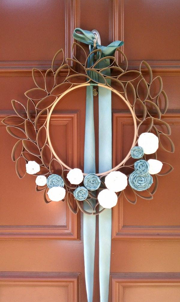 31. Decorative Door Wreaths