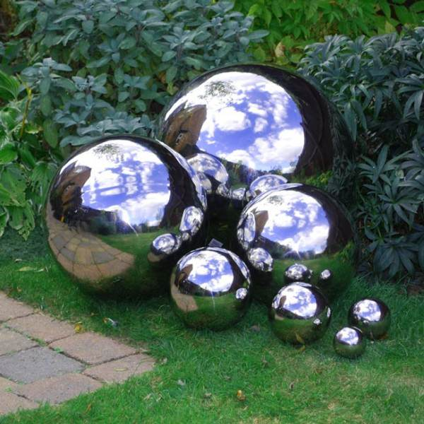 DIY Mirrored Gazing Balls