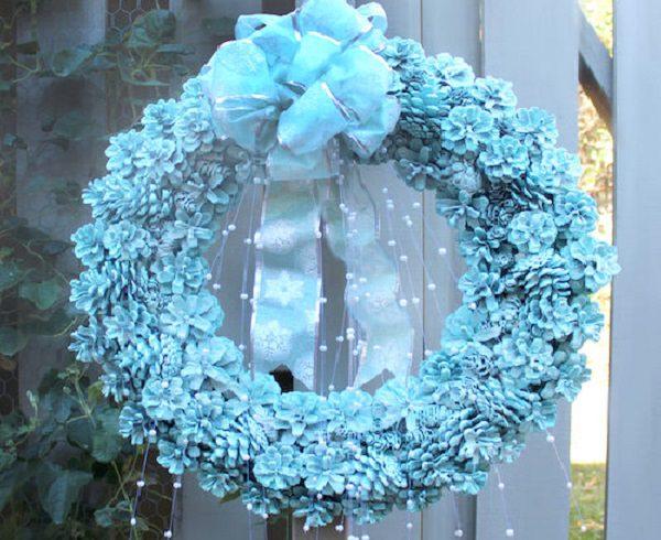 DIY Pine cone Wreath