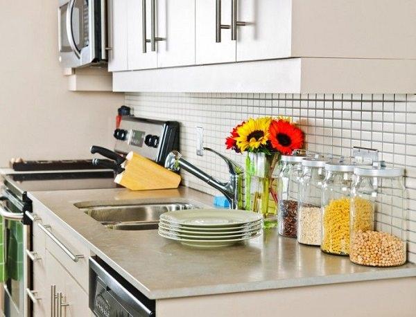 27. Eucalyptus oil as household cleanser1