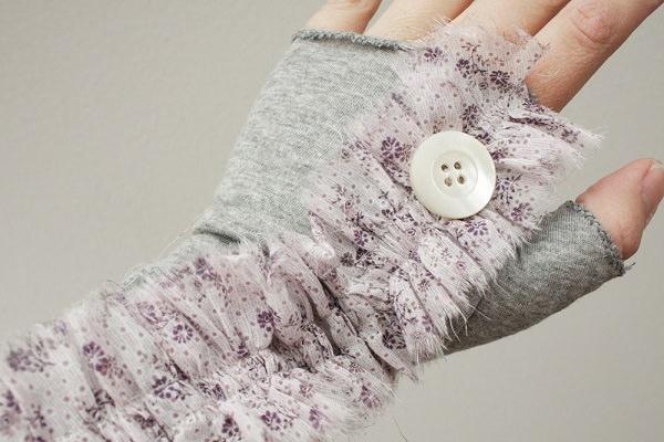 11. Fingerless gloves