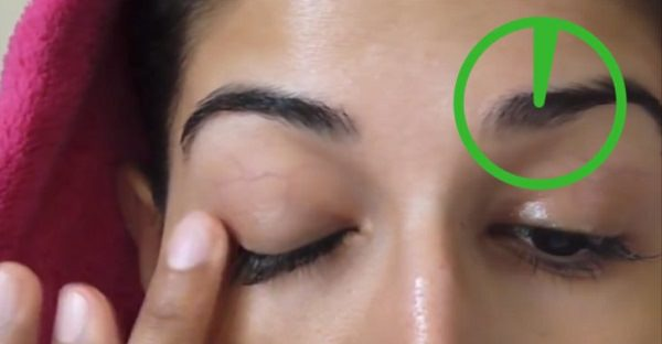 29. Baby shampoo for eyelashes and brows