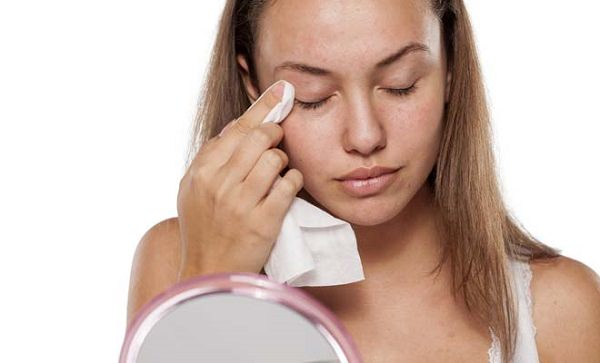 40. Use baby shampoo as a makeup remover