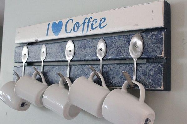 9. DIY pallet coffee mug holder