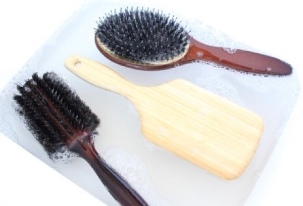 9. Shampoo to clean combs 1