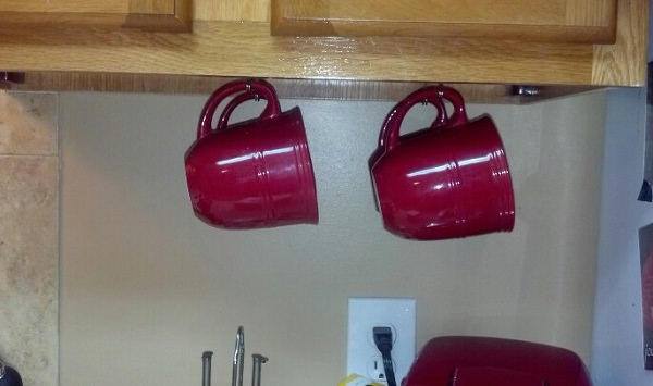 command hooks to hang coffee mugs under cabinet