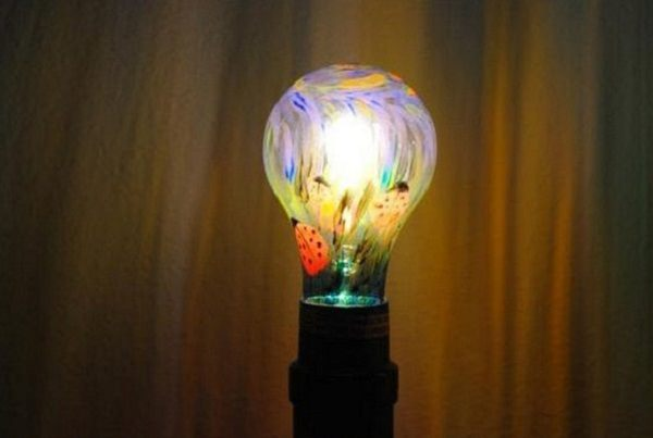 DIY Old Light Bulbs Uses in the Home9 check