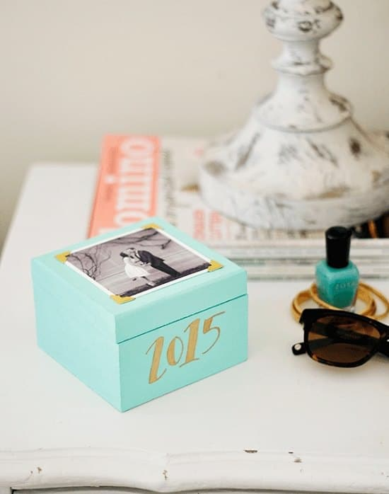 Check out these DIY Memory Box Ideas and Keepsake Box Plans to treasure your memorabilia and mementos safely!