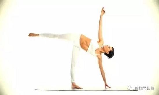 DIY Yoga Poses 25