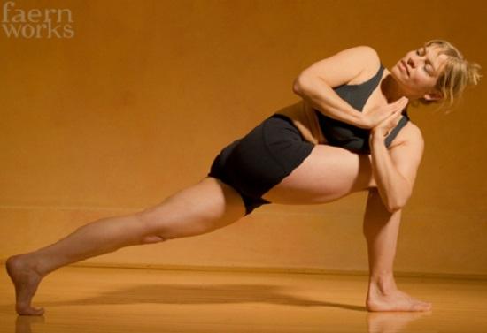 DIY Yoga Poses 23
