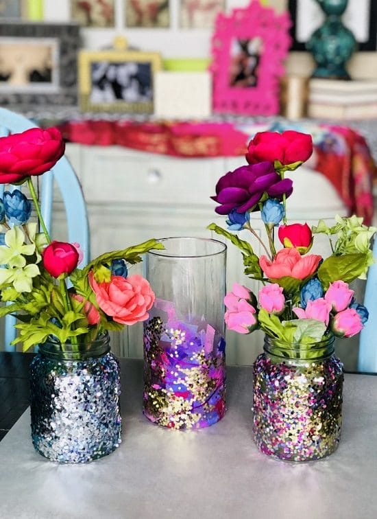 18 Homemade DIY Glitter Vases For Decoration