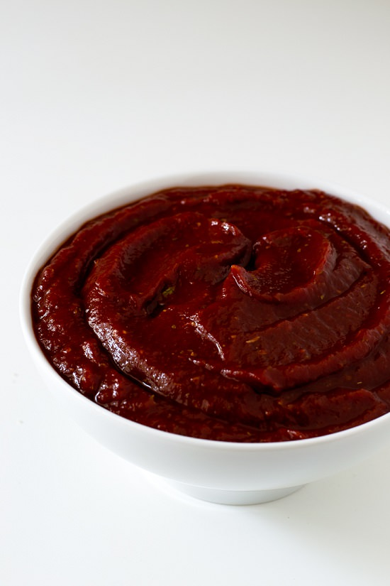 Check out the zestiest and most flavorful Homemade Ketchup Recipes on the internet, free from preservatives and additives!