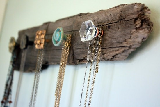 Find out the most creative ways to protect and show off your jewelry items with these DIY Jewelry Display Ideas in this article!