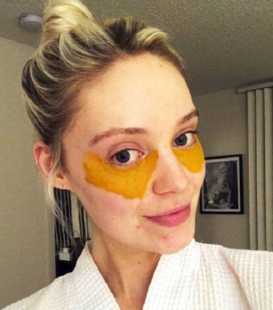 diy eye mask for puffy eyes and dark circles 4