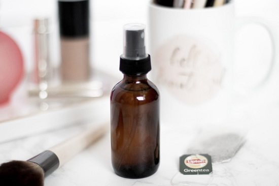 Homemade Makeup Setting Spray3