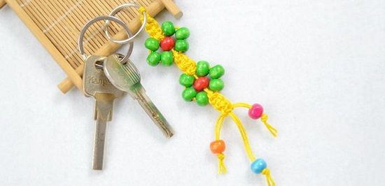 DIY Macrame key Chain Ideas 4