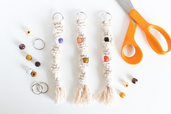 DIY Macrame key Chain Ideas 1