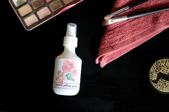 Homemade Makeup Setting Spray2