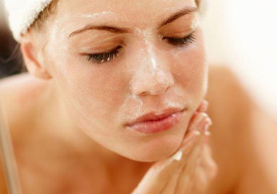 Egg White Benefits on Skin