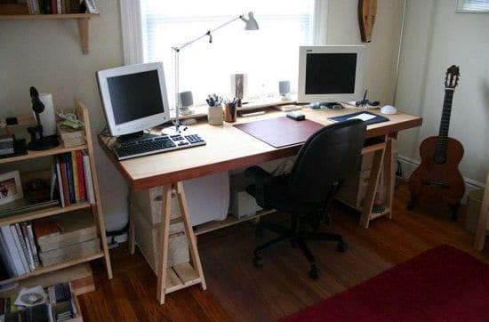 Minimalistic DIY Computer Desk