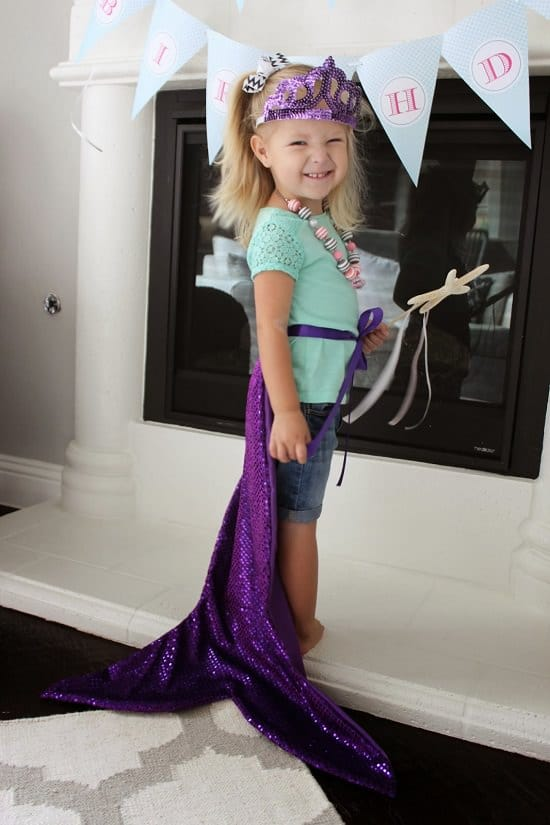 DIY Mermaid Tail Costume And Craft25