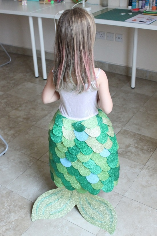 DIY Mermaid Tail Costume And Craft5