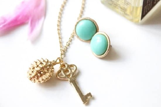 DIY Charm Necklace Ideas15