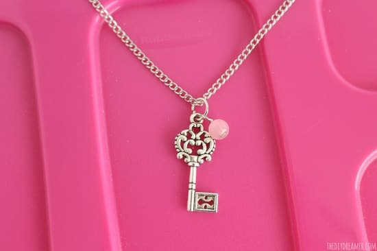 DIY Charm Necklace Ideas2