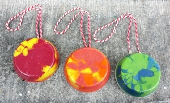 DIY Melted Crayon Ornaments8
