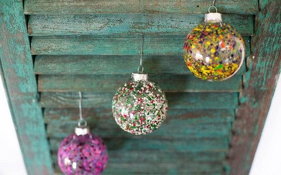 DIY Ornaments In 4 Easy Steps