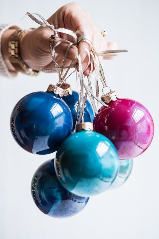 DIY Melted Crayon Ornaments3