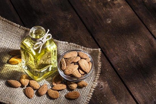 Essential Oils For Skin Lightening2