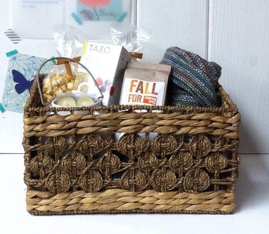 DIY Fall Gift Basket Ideas3