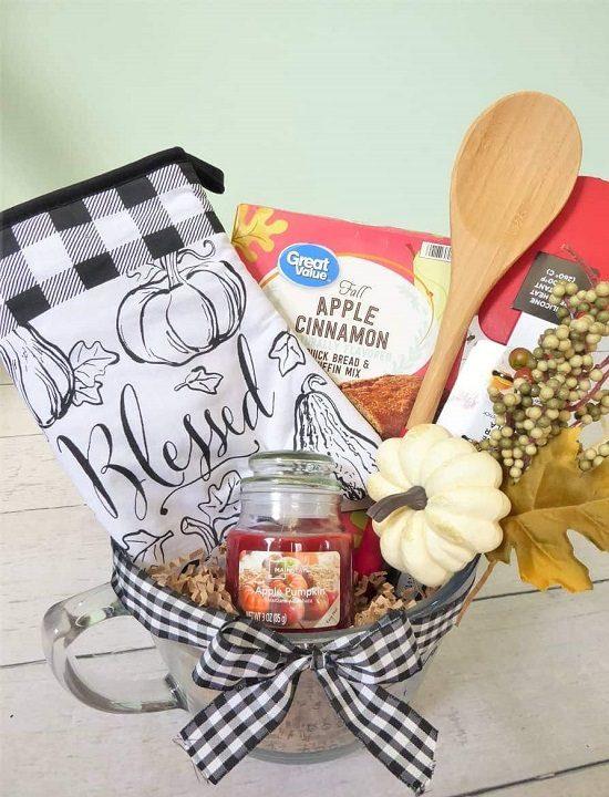 DIY Fall Gift Basket Ideas4