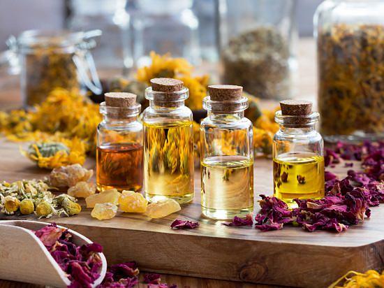 Essential Oils For Skin Lightening1
