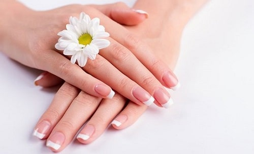 Castor Oil for Nails 2
