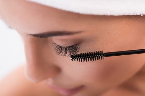 Does Olive Oil Help Eyelashes Grow2