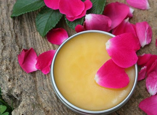 Rose Petals and Olive Oil for Stretch Marks3